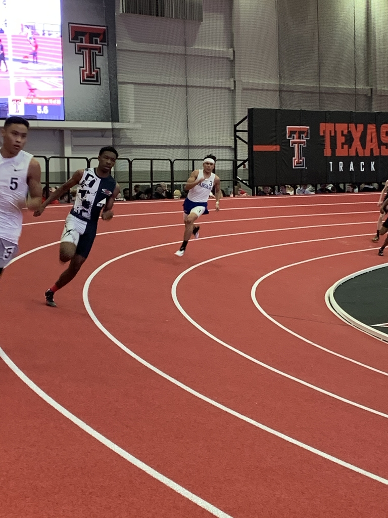 Christian Briones running the 400 in 58.04