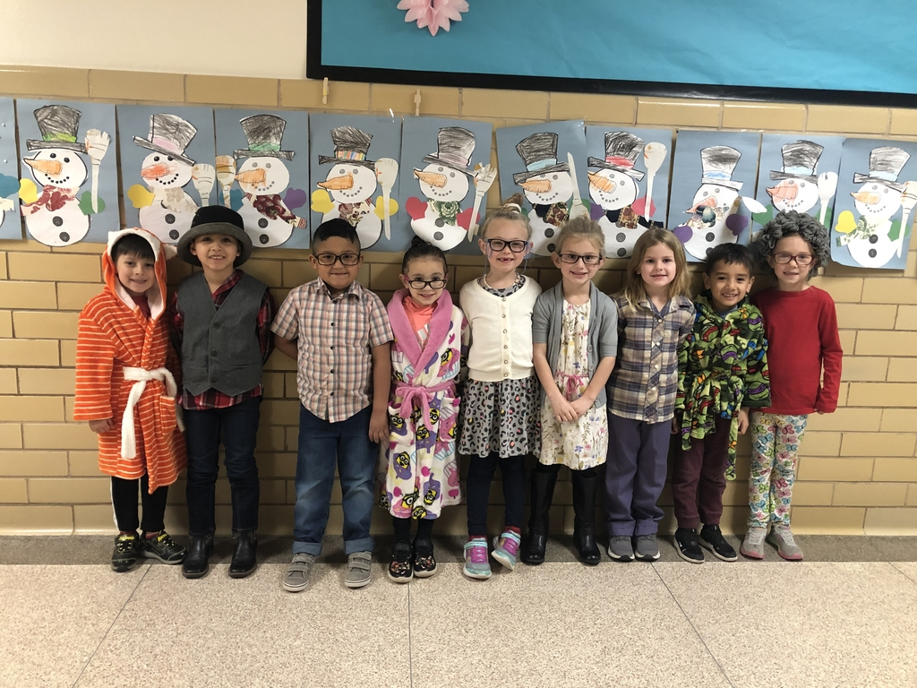 Little old kindergarteners from Mrs.Hawthorne's class.